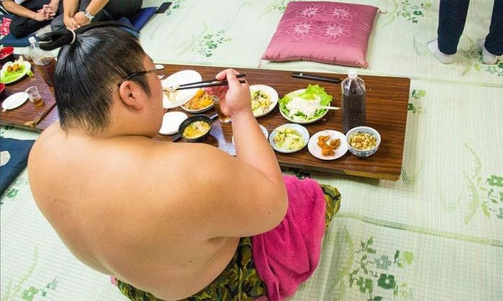 Толстый японец