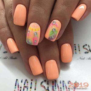 Дизайн ногтей 2019 перо