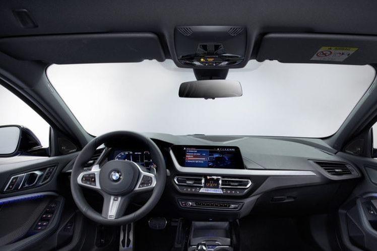 Интерьер нового BMW X1 2019 года