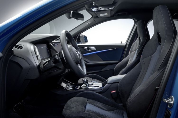 Салон нового BMW X1 2019 года