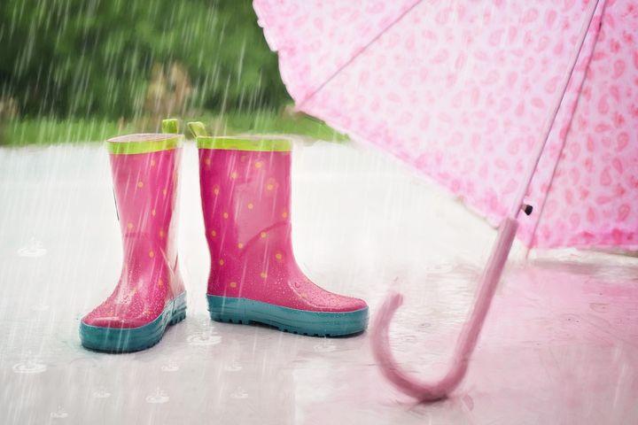 Зонтик и резиновые сапоги