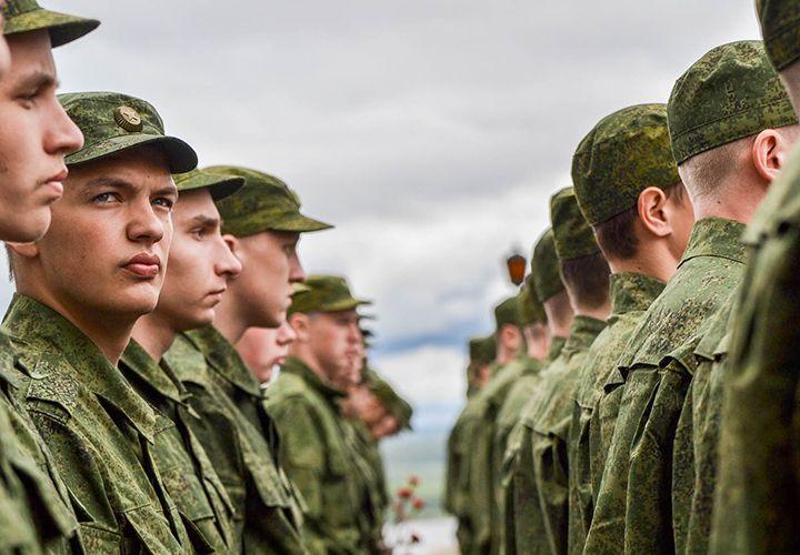 Повышение зарплаты солдатам-срочникам