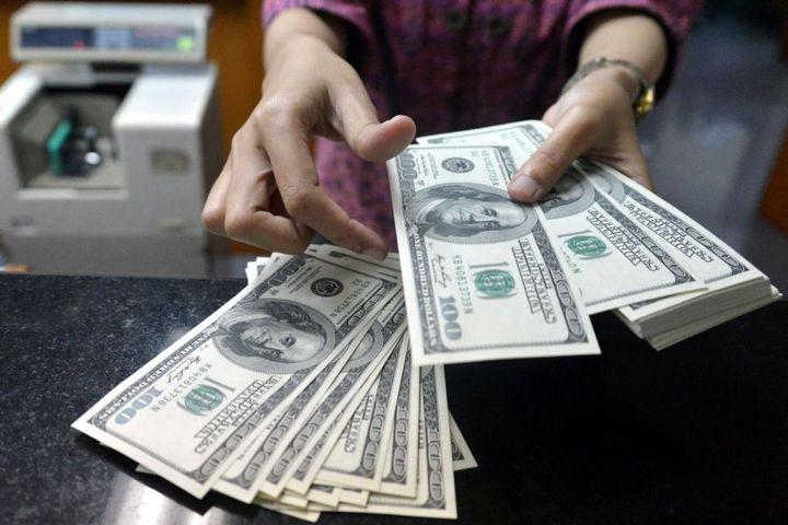 Покупка долларов в обменнике