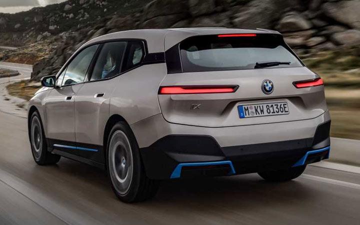 BMW iX и другие новинки кроссоверов 2021-2022 года