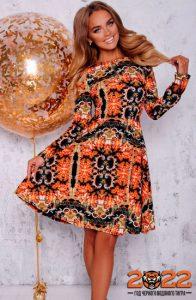 Красивое оранжево-черное платье на 2022 год