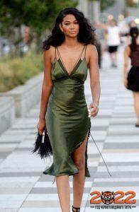Красивое платье в бельевом стиле на 2022 год