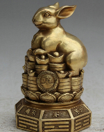 золотой китайский кролик