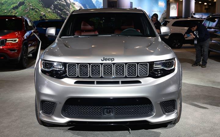 Передний бампер Jeep Grand Cherokee 2018-2019