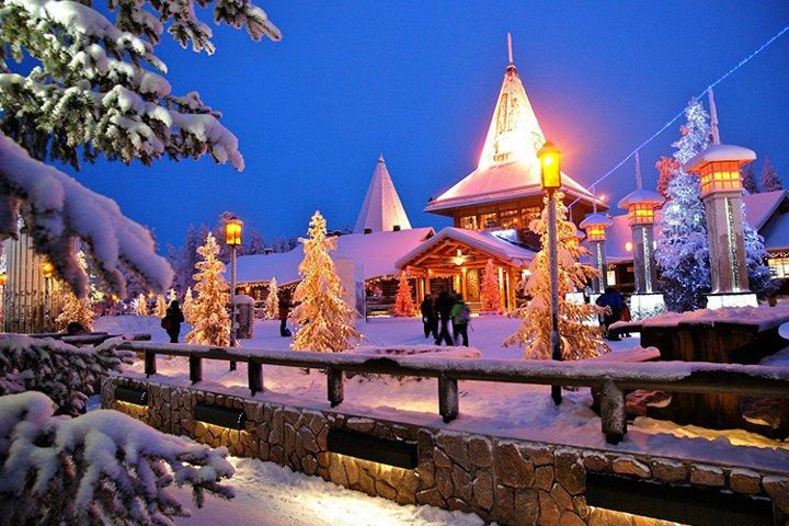 новогодние декорации в Финляндии