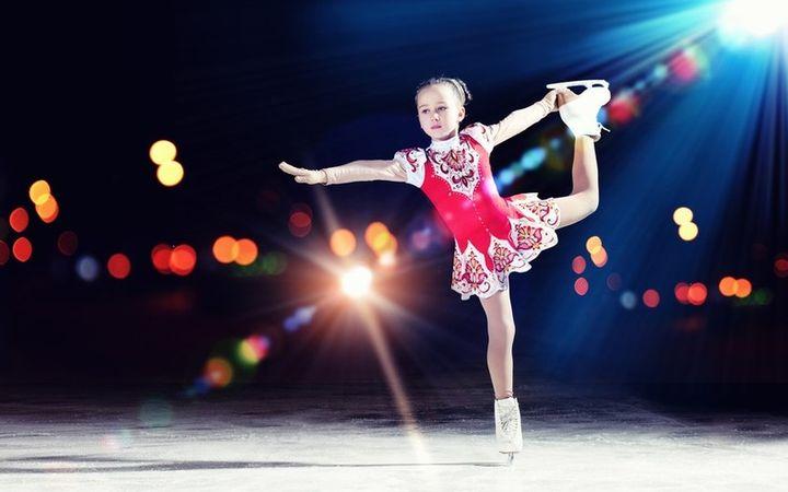 Девочка-фигуристка