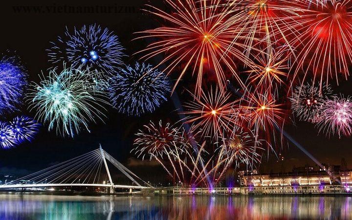 Фейерверки на вьетнамский Новый год