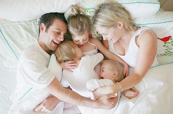 Мама и трое детей
